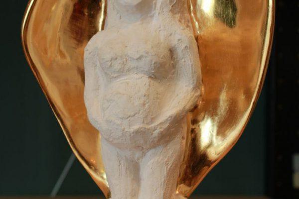 Gewachsen Sein, Gipsfigur mit Blattgold made by Goldcreartiv