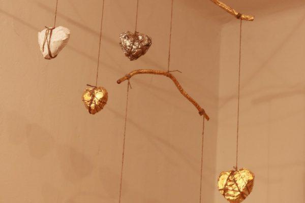 Mobile mit Herz, Gipsherzen vergoldet - Goldcreartiv